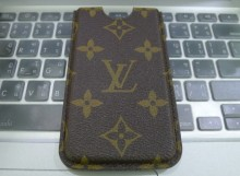 Reviews : ซอง Louis Vuitton iPhone4 / iPhone4s